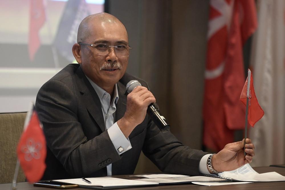 Agriculture and Food Industries Minister Datuk Seri Ronald Kiandee speaking at the Srikanda Muda Programme in Kuala Lumpur, April 23, 2021. — Bernama pic