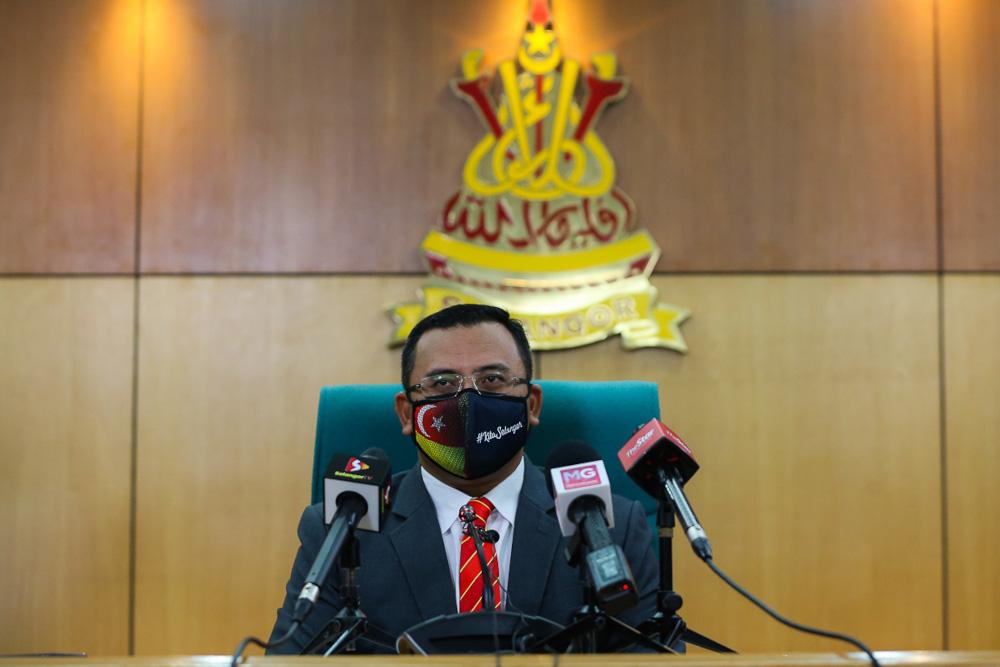 Mentri Besar Datuk Seri Amirudin Shari announced the initiatives today, under the 'Pakej Kita Selangor 2.0: Bersama Menuju Kejayaan'. — Picture by Yusof Mat Isa
