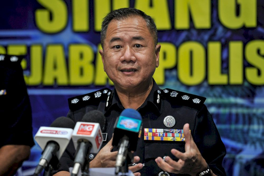 Sentul district police chief ACP Beh Eng Lai said eight compound notices were issued to e-hailing food delivery riders on June 1, 2021, 10.25am at a playground at Taman Segambut, Sentul for the offence of eating in a group without ensuring physical distancing. — Bernama pic