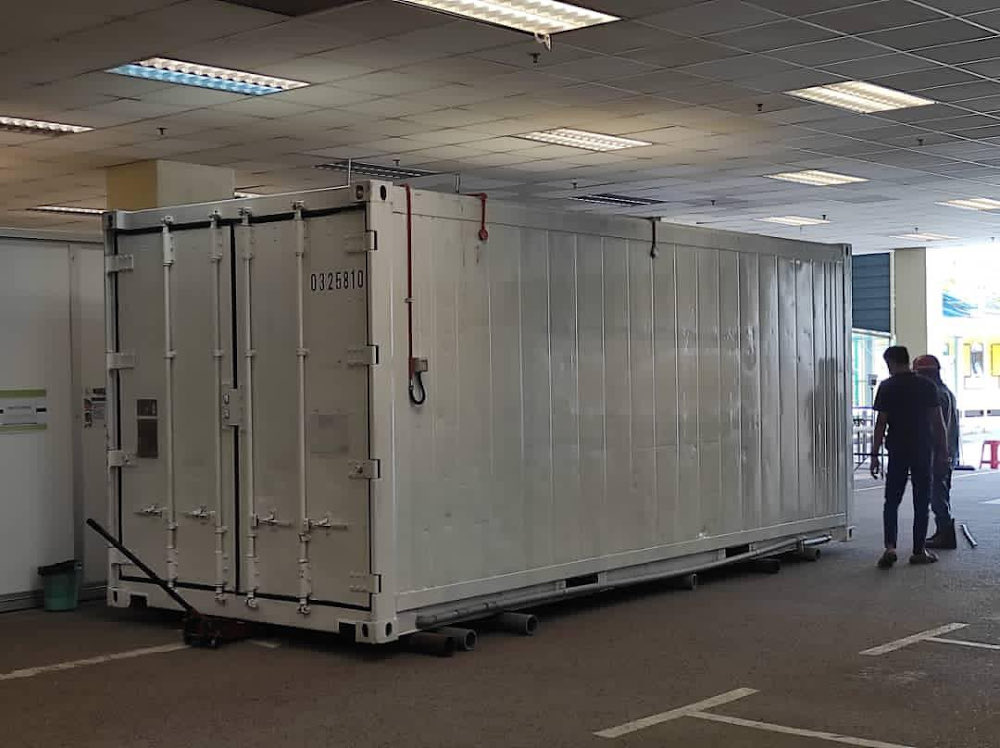 Comptroller of the Kedah Royal Household Datuk Paduka Bakar Din in a statement today said the container has been modified for the storage of 16 bodies at any one time and it is hoped this would be able to help HSM manage the Covid-19 death cases more effectively. — Picture via Twitter/KKMalaysia