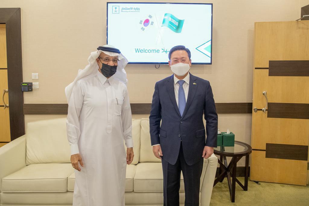 Korean AmbassadorJo Byung-wook met Saudi Investment Minister Khalid Al-Falih in Riyadh before his departure at the end of his tenure. (Supplied)