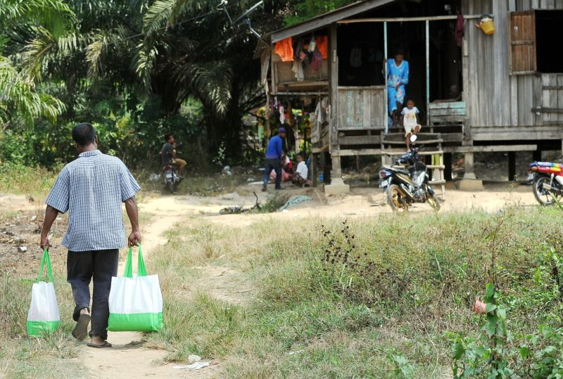 While 39,174 Orang Asli have signed up for vaccines, about 25,215 Orang Asli did not agree to be vaccinated.— Bernama pic