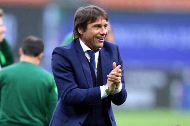 Antonio Conte looks on during Inter Milan's clash with Sampdoria