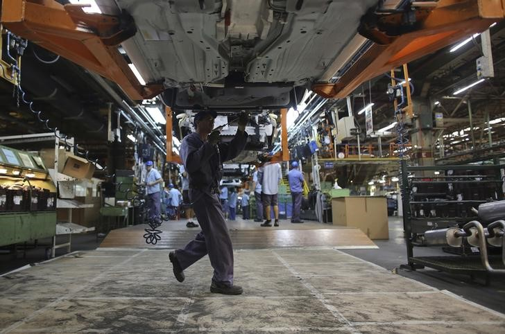 U.S. Manufacturing Expands at Faster Pace on Stronger Orders