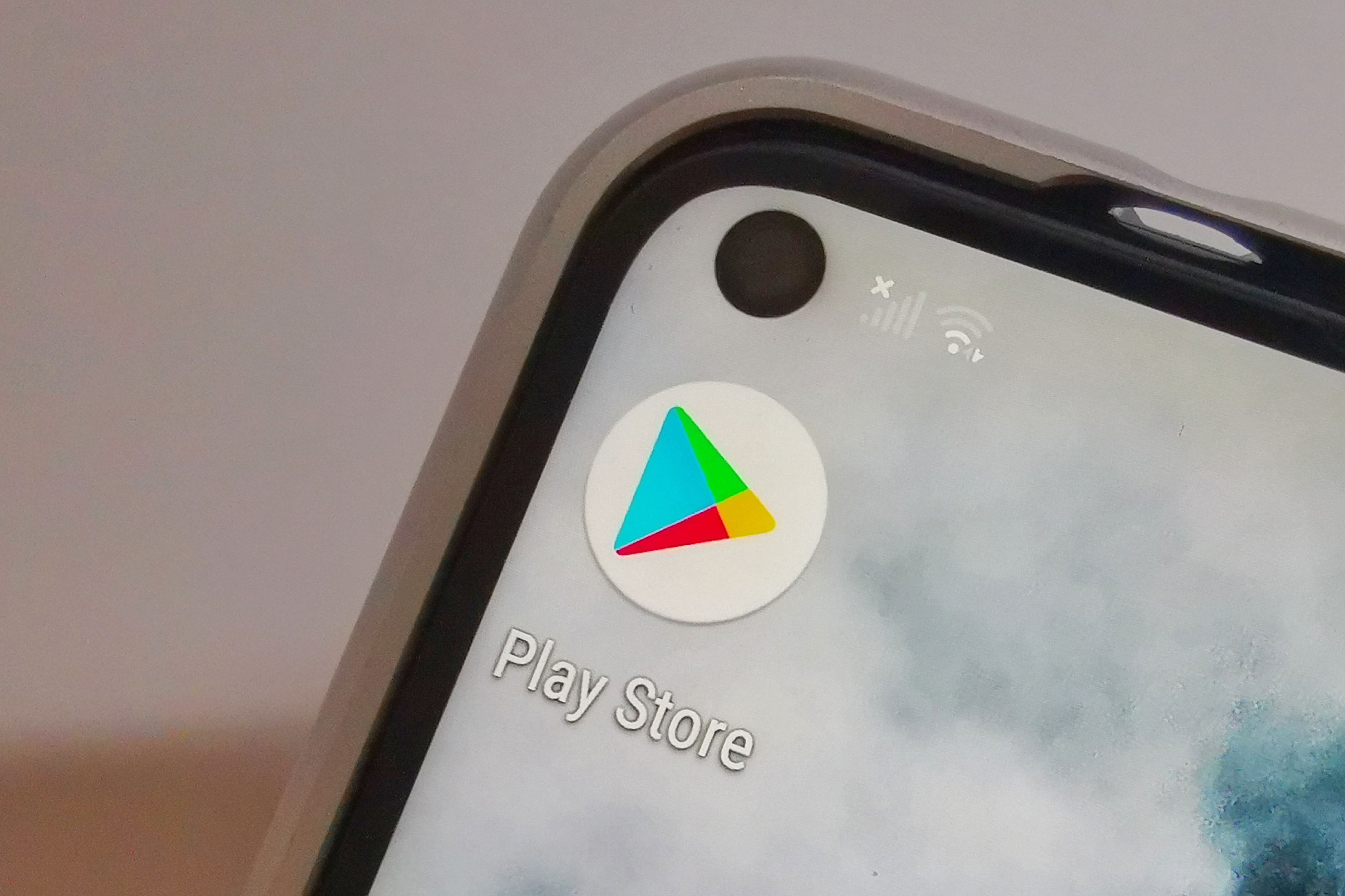 Google has announced changes to the way it handles the unique device identifiers that allows marketers to track users on Android. — Picture via SoyaCincau