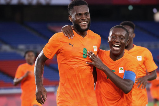 Franck Kessie celebrates his goal for Ivory Coast against Saudi Arabia at the Olympics