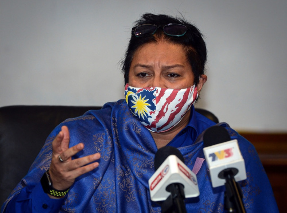 Dewan Rakyat Deputy Speaker Datuk Seri Azalina Othman Said pointed out that the Federal Constitution's Article 145(2) states that it is the attorney general's duty to advise the Yang di-Pertuan Agong or the Cabinet or any minister on legal matters as Malaysia's chief legal advisor. — Bernama pic