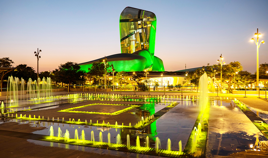 The Eastern Province municipality has increased the number of workers and equipment in the hygiene sector, especially in markets, parks and at waterfronts. Public spaces are being sterilized to prevent insects from multiplying. (Shutterstock)