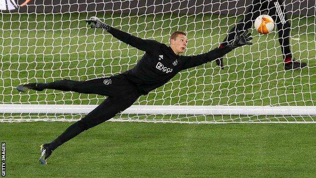 Ajax goalkeeper Kjell Scherpen training