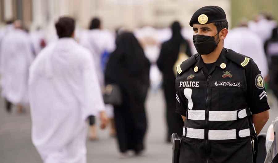 Saudi police arrest 77 for violating Hajj permit rules. (SPA)