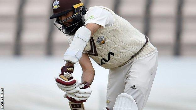 Hashim Amla hit just five fours in his match-saving 34 not out from 72 balls against Essex at The Oval