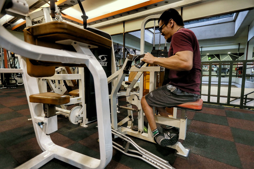Last week, Health Minister Khairy Jamaluddin announced the Health Ministry (MoH) was drawing up ventilation guidelines for gyms, together with the NSC. — Picture by Ahmad Zamzahuri