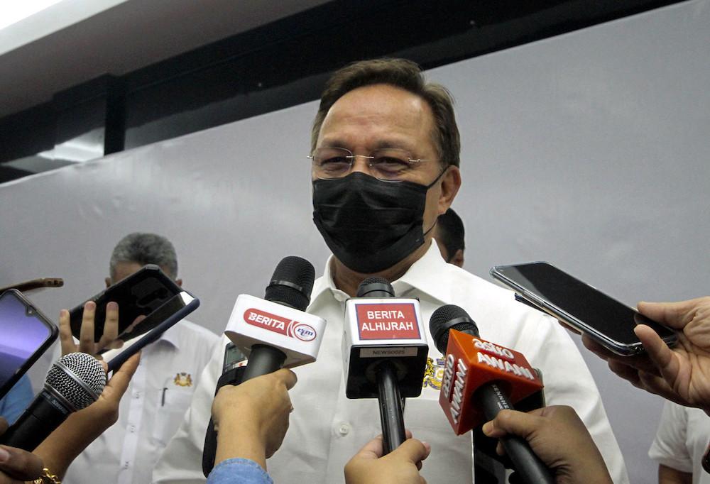 Johor Mentri Besar Johor Datuk Hasni Mohammad speaks to the media in Pontian July 31, 2021. — Bernama pic
