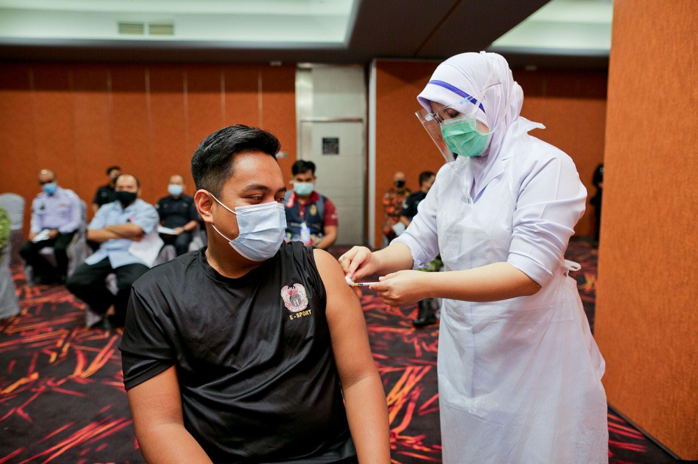 In the early stages of the National Immunisation Programme, the Group organised webinar sessions for staff to allay their fears against the vaccine. This resulted in the Group achieving more than 95 per cent vaccination rate among its staff. — Picture courtesy of Sunway Group