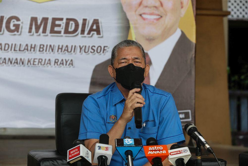 Datuk Seri Fadillah Yusof speaks to the press at the Southern Seberang Perai Department of Works in Nibong Tebal September 28, 2021. — Picture by Sayuti Zainudin