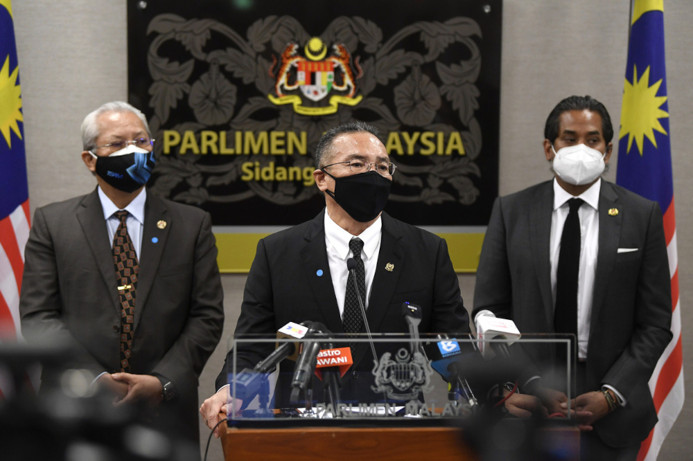 Senior Defence Minister Datuk Seri Hishammuddin Hussein said from Malaysian Armed Forces intelligence, he confirmed the warning is not something to be worried about. — Bernama pic
