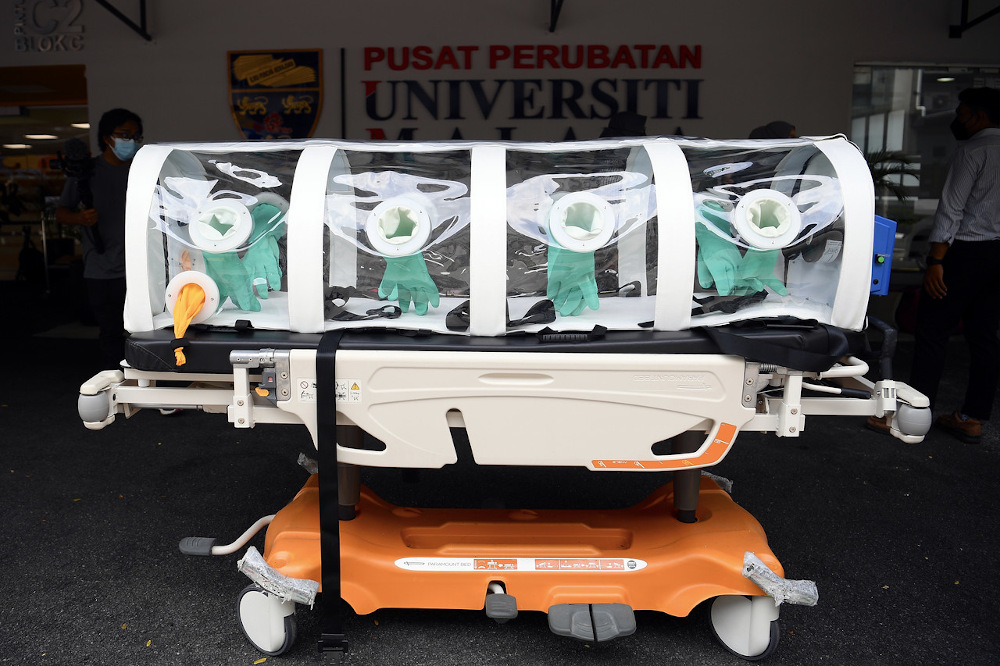 A Malaysian-made Portable Negative Pressure Isolation Carrier (Isopod), which can be used to transport highly contagious Covid-19 patients in ambulances, is a collaborative effort between UMMC and Puncak Bumi Utama. — Bernama pic