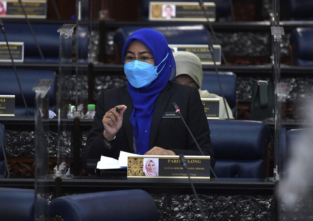Higher Education Minister Datuk Seri Noraini Ahmad addresses members of Parliament in Kuala Lumpur October 6, 2021. — Bernama pic