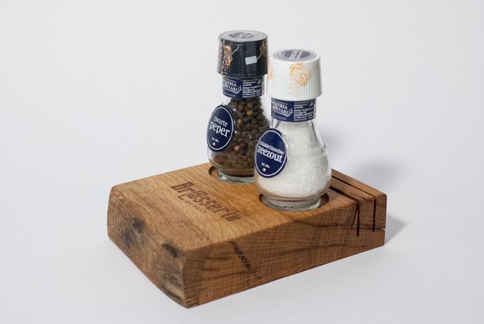 Menublokken voor op tafel met zout en peper