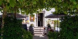 hotel restaurant - portaal - terras - veel groen