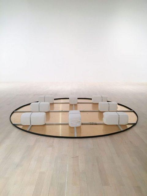 Floating Circles – 2019, Mixed Media, performative Arbeit in Kollaboration mit Tomas Kleiner – Planet 58, Kunstsammlung NRW