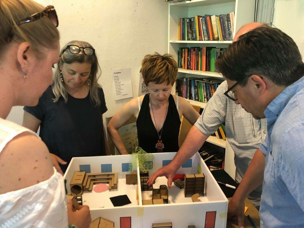 deltagere bygger læringsmiljøer