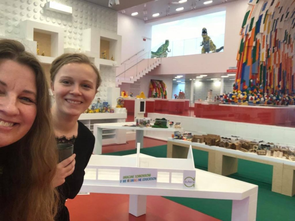 Lene og Thea til LEGO Idea Conference