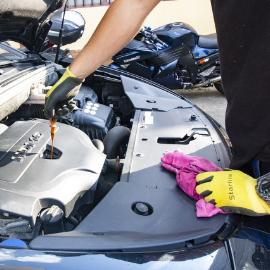 car-repair-engine-work