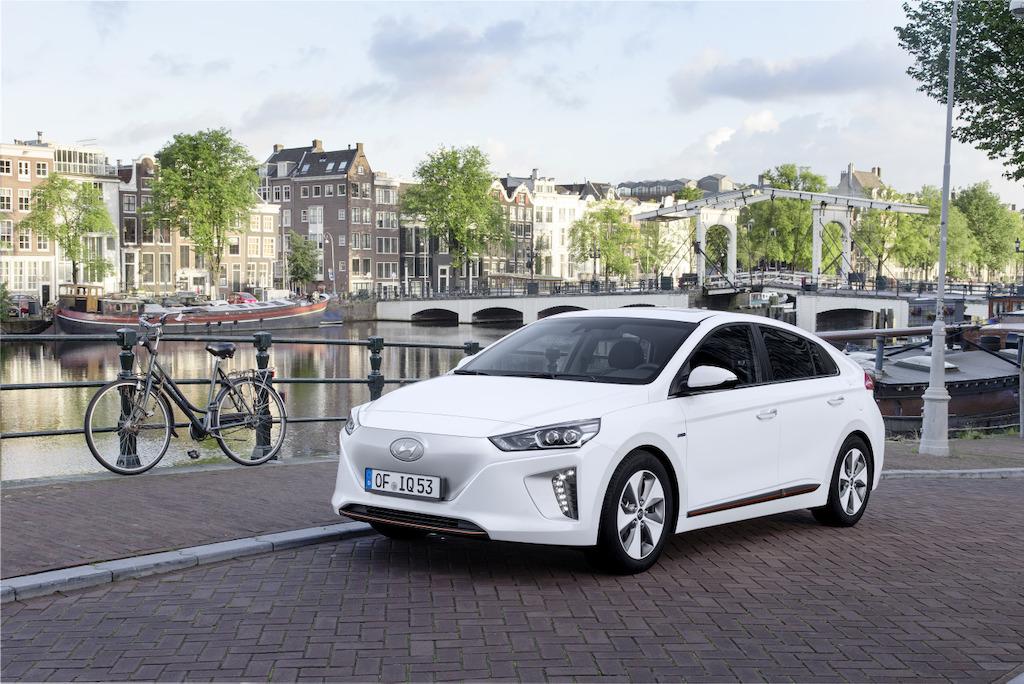 Veilig en betrouwbaar: 5 sterren van Euro NCAP voor gloednieuwe IONIQ