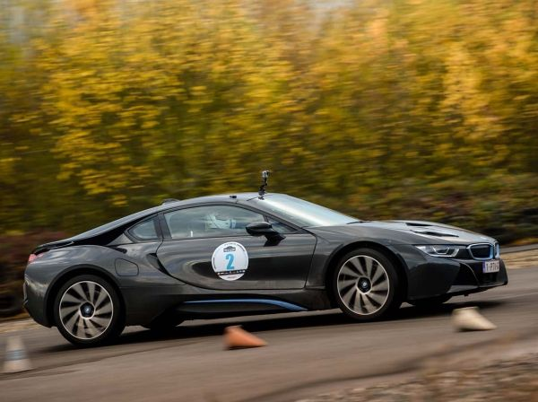 p90243344_lowres_a-bmw-i8-wins-the-to