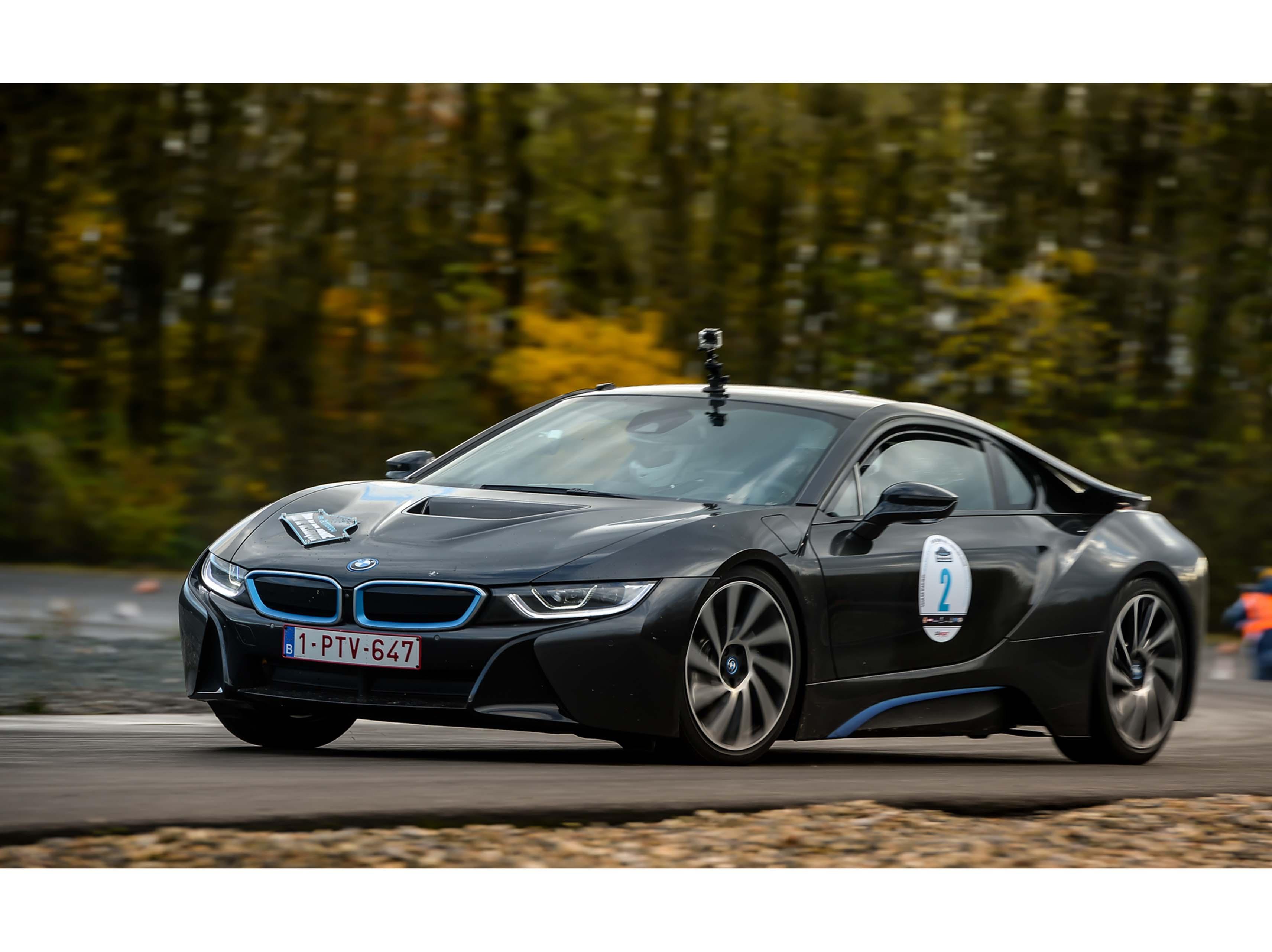 Een BMW i8 wint de Tour de Belgique New Energy 2016