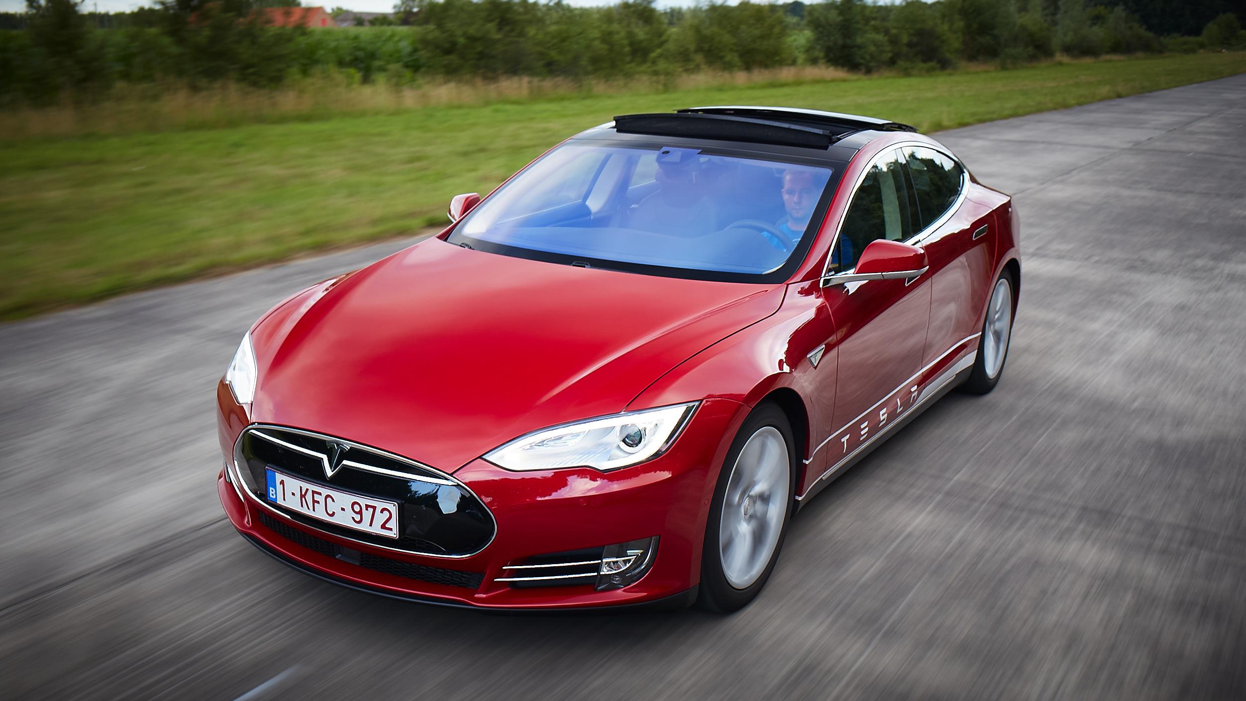 Tesla S85D  korte Test.