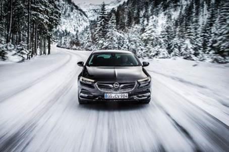 Nieuwe Opel Insignia Grand Sport: laat de winter maar komen