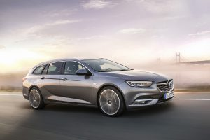 Exciting eye-catcher: The athleticism of the new Opel Insignia Sports Tourer is derived from the Monza Concept design study.