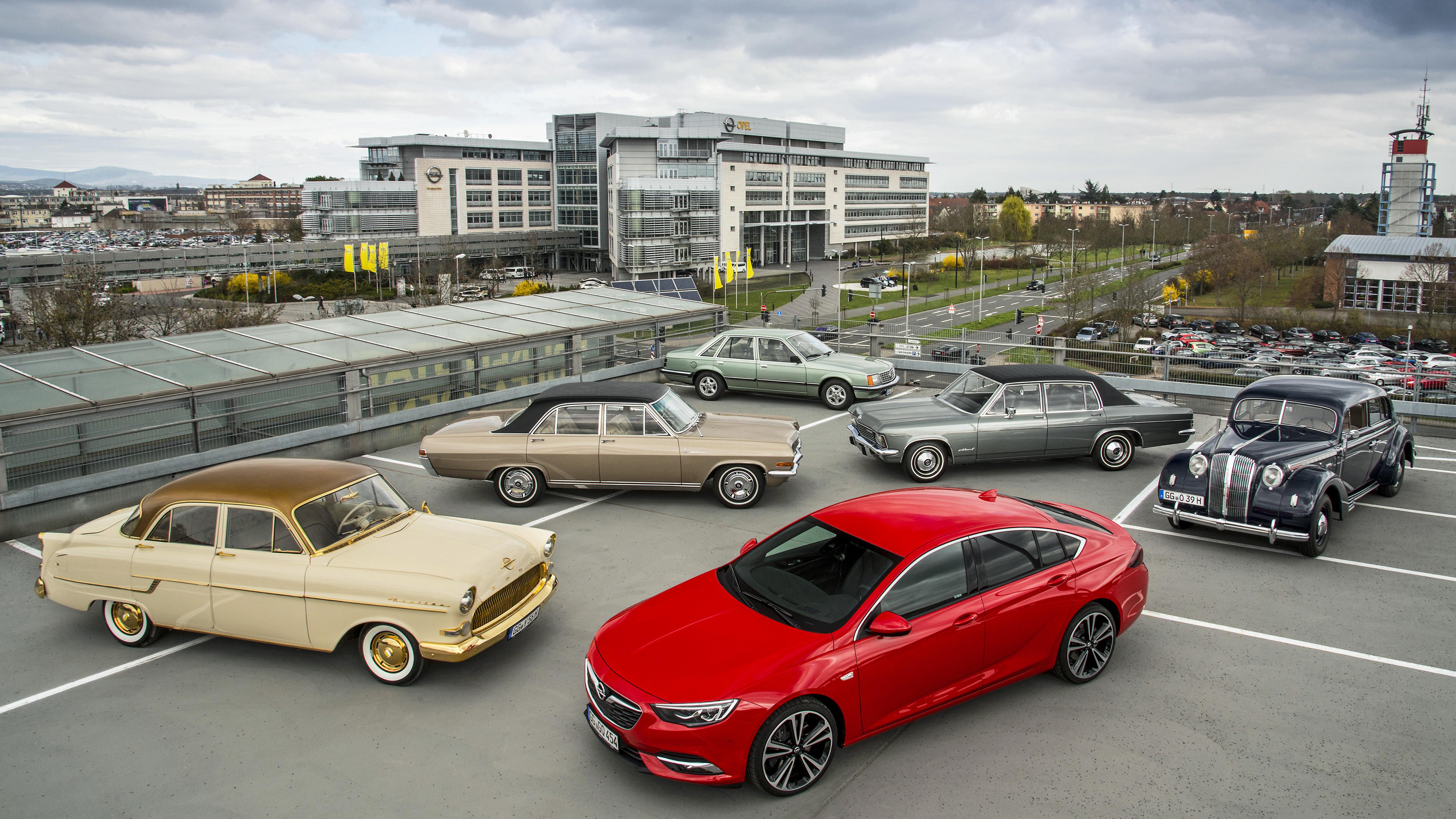 Acht decennia grote auto's van Opel: