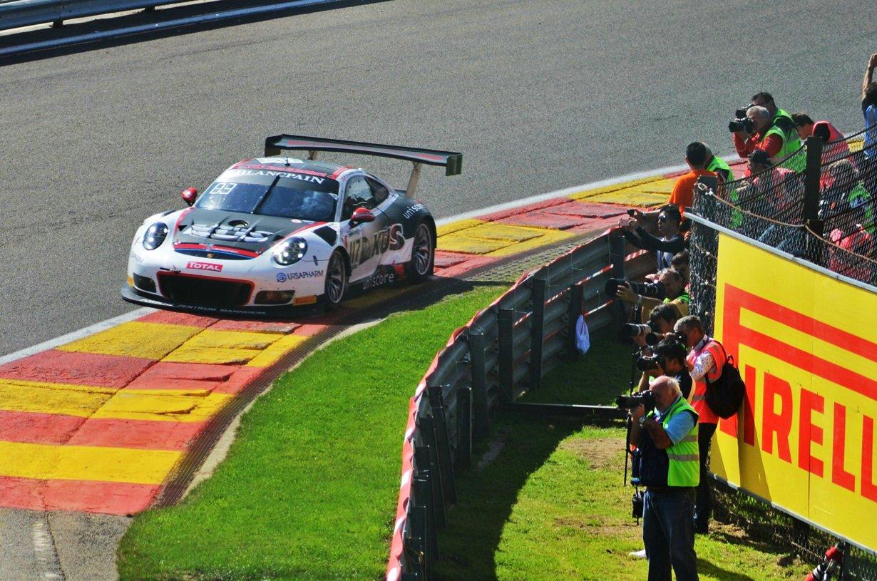 24 uren van Franchorchamps Porsche's door  Wilfried Geerts