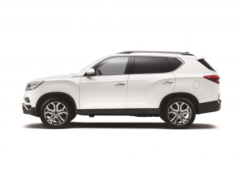 Rexton_Ext_14_Side