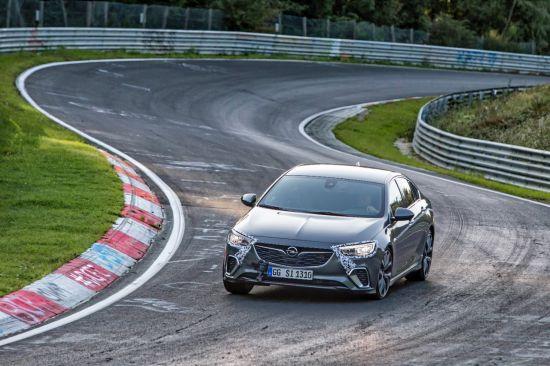 Nieuwe Opel Insignia GSi verovert Nürburgring Nordschleife