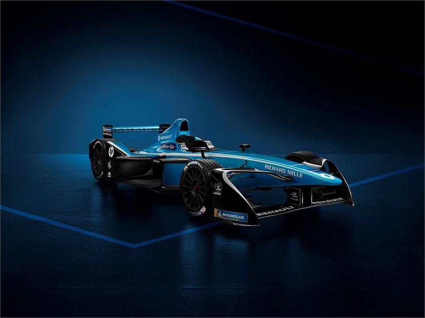 Renault e.dams viert zijn derde opeenvolgende titel in de Formule E en stelt zijn nieuwe race-outfit en partners voor seizoen 4 voor.