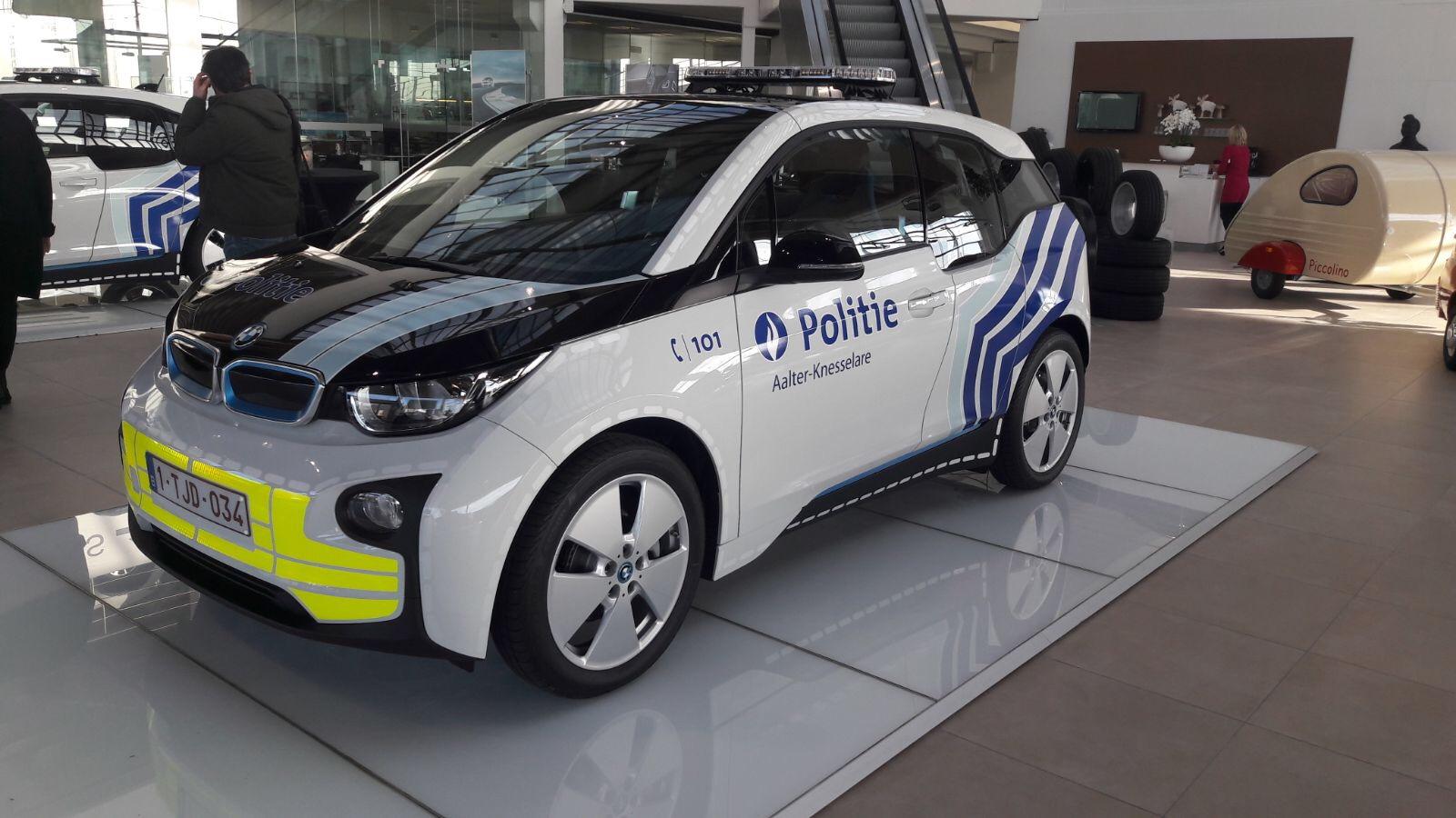 Politiezone Aalter – Knesselare kiest voor duurzaamheid met volledig elektrische BMW i3's.