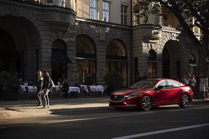 Opnieuw ontwikkelde, verfijnde Mazda6:  Mazda's weg naar het premiumsegment