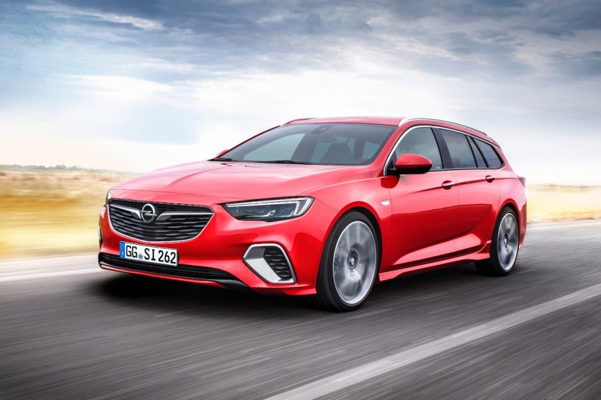 Fun without compromise: Sporty, spacious and comfortable, the new Opel Insignia GSi Sports Tourer makes driving an exciting experience for the whole family.