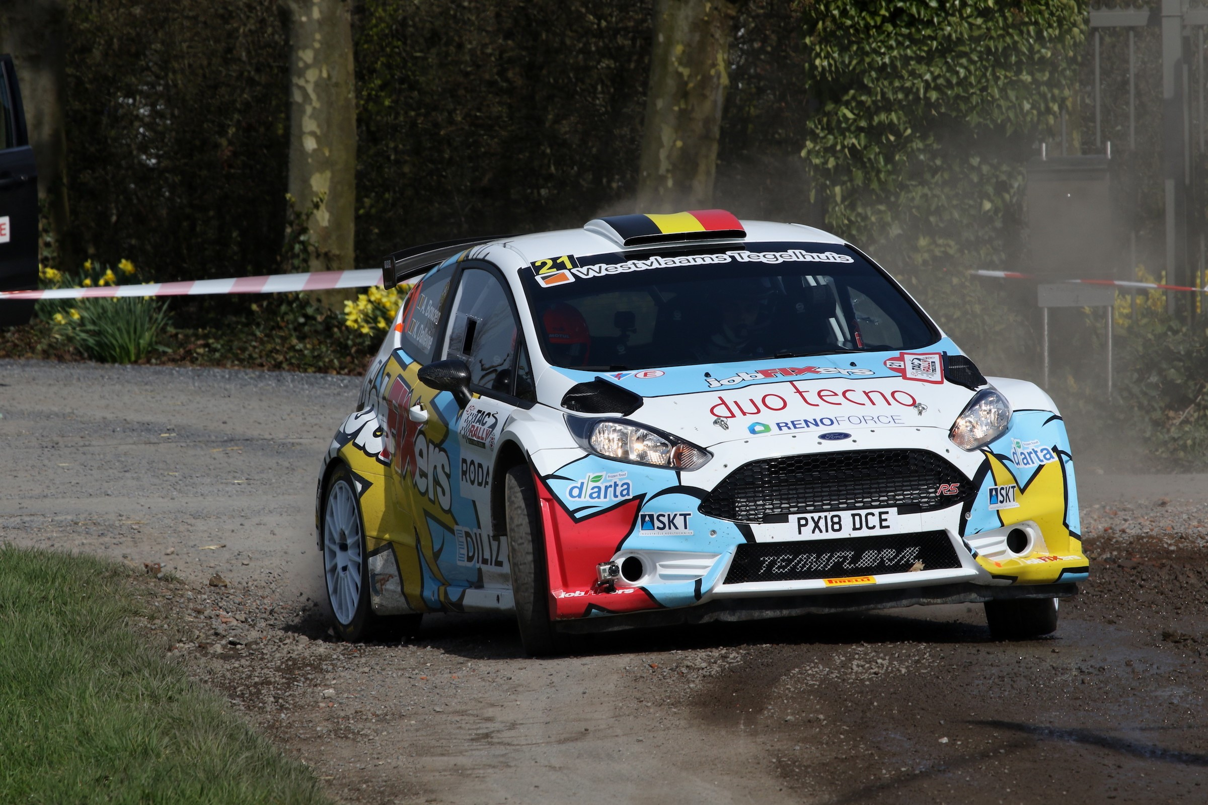 Opgemerkt debuut van het jobFIXers Rally Team