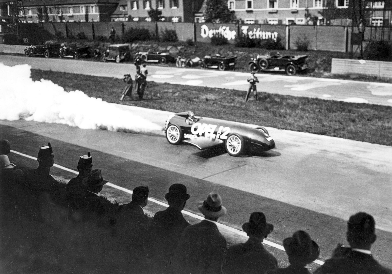90 jaar geleden: Opel luidt het rakettijdperk in