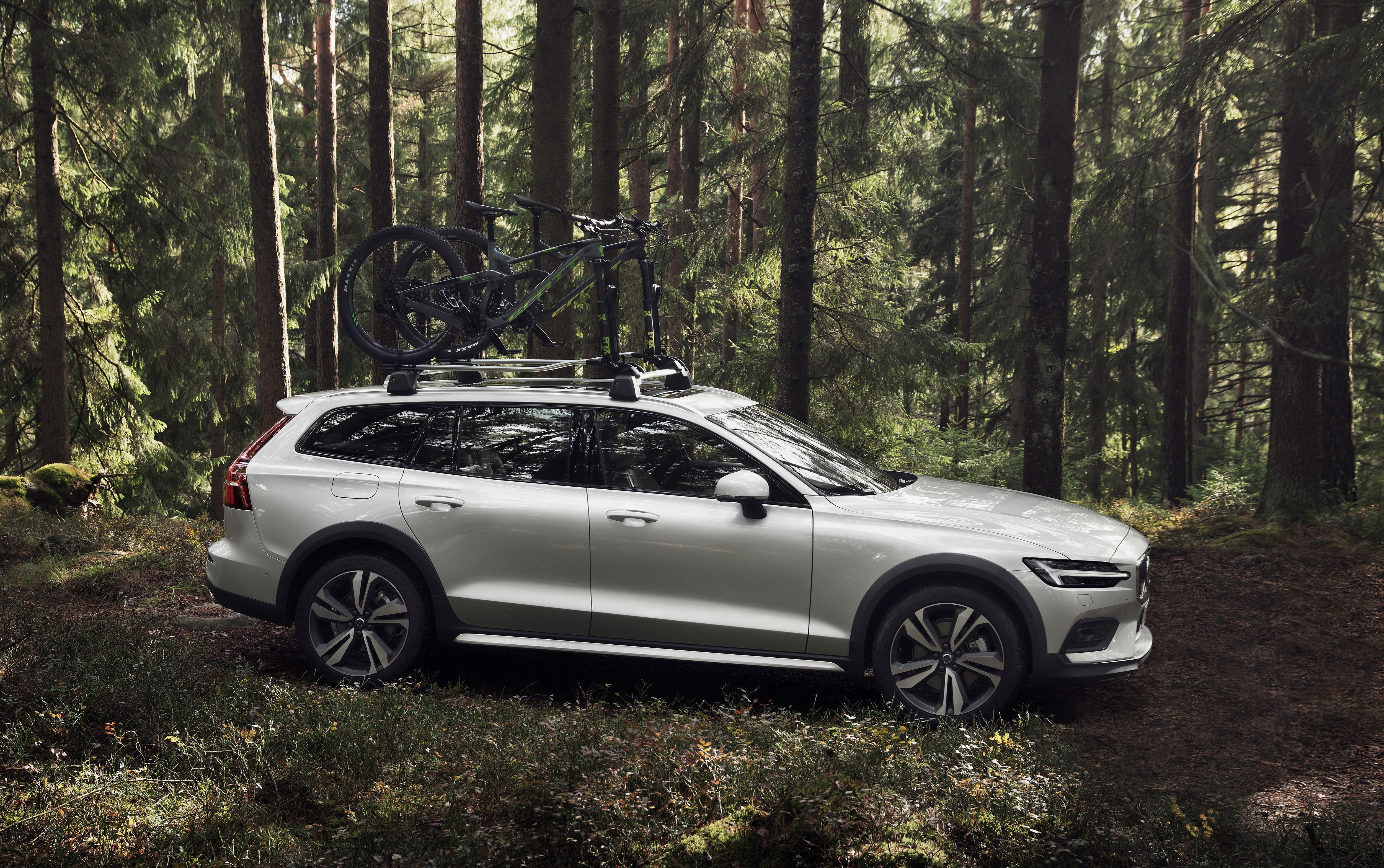 De Zweedse gezinsbreak slaat een nieuwe weg in met de Volvo V60 Cross Country