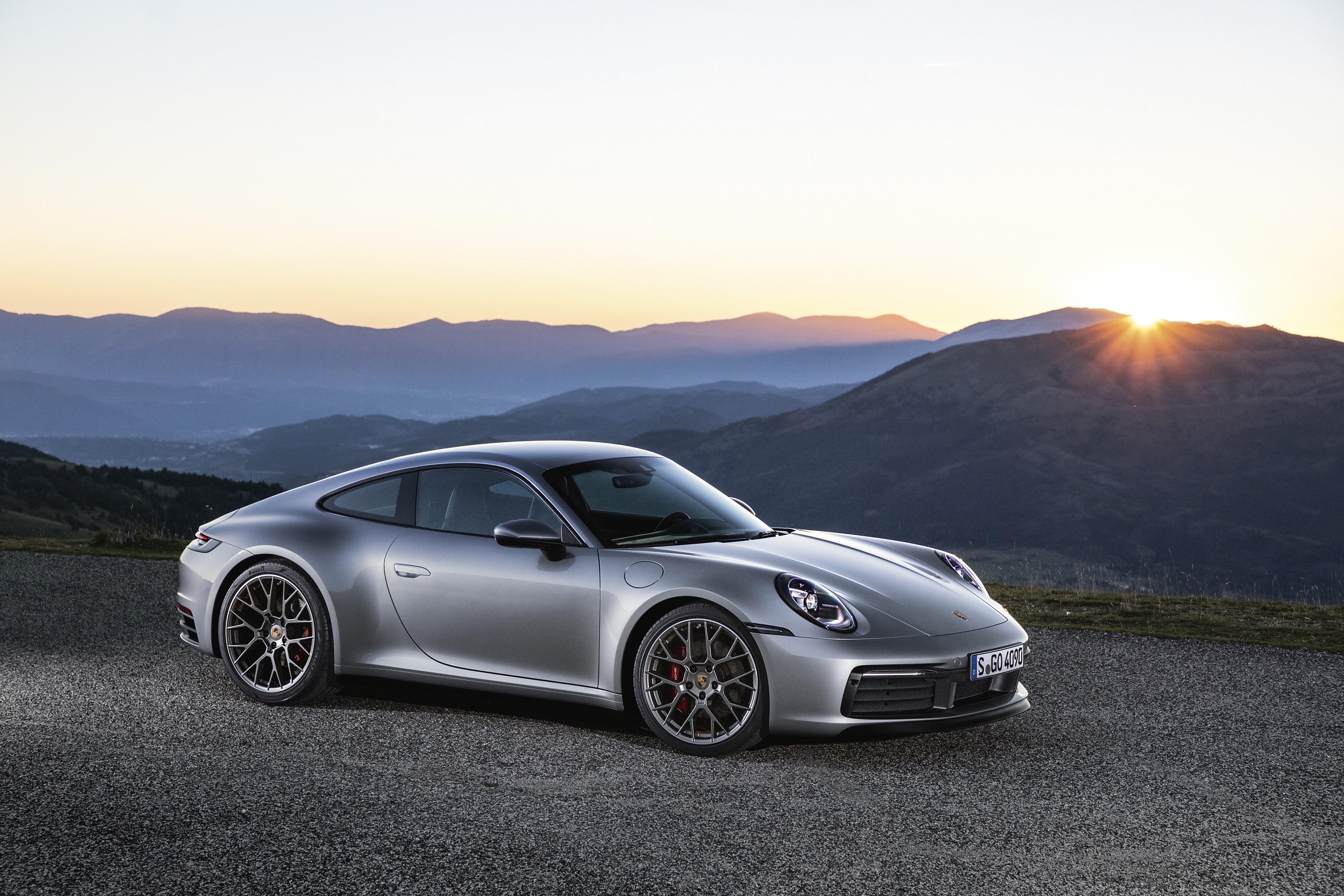 Porsche 911 in video