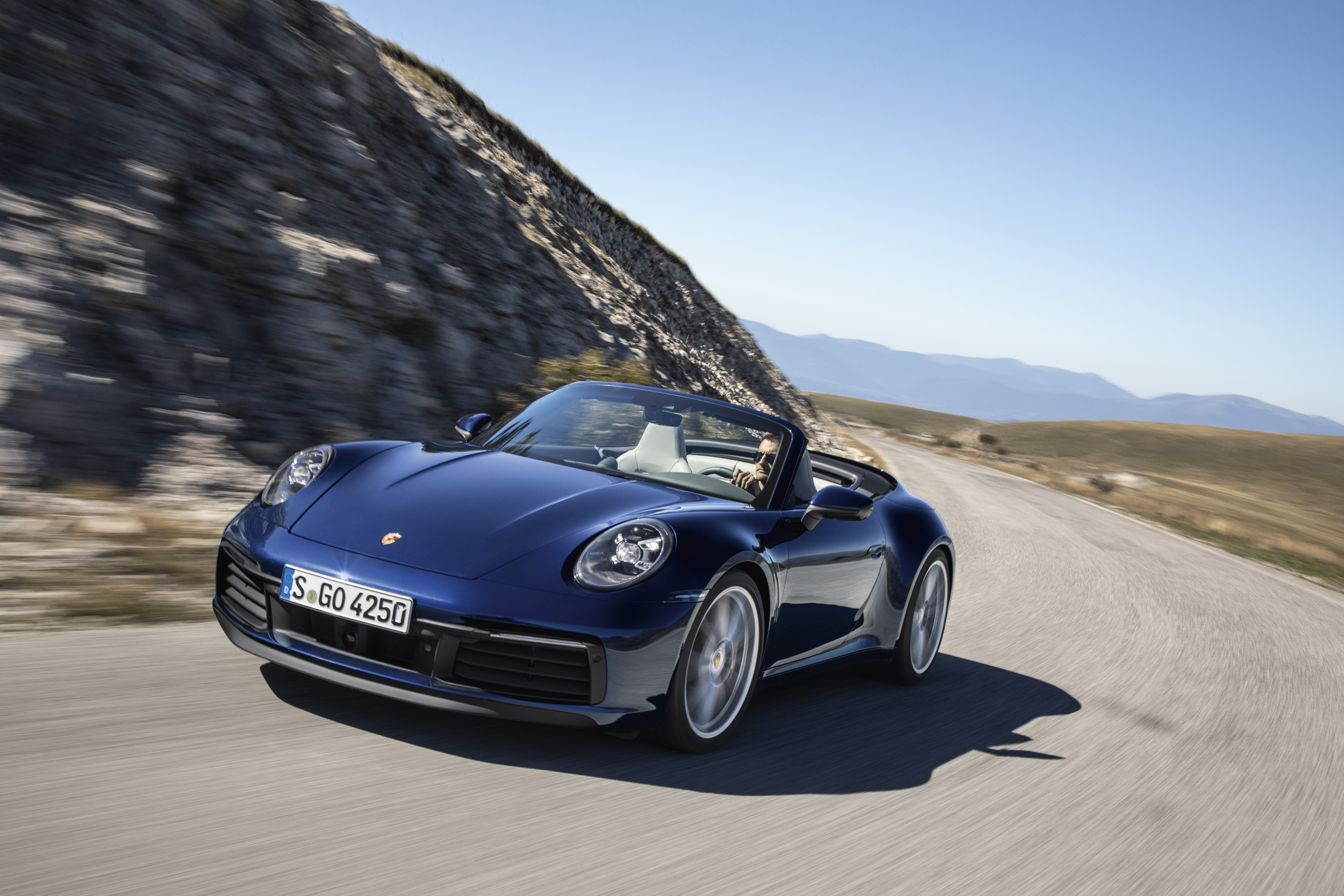 Porsche onthult eerste afgeleide model van zijn iconisch ontwerp.