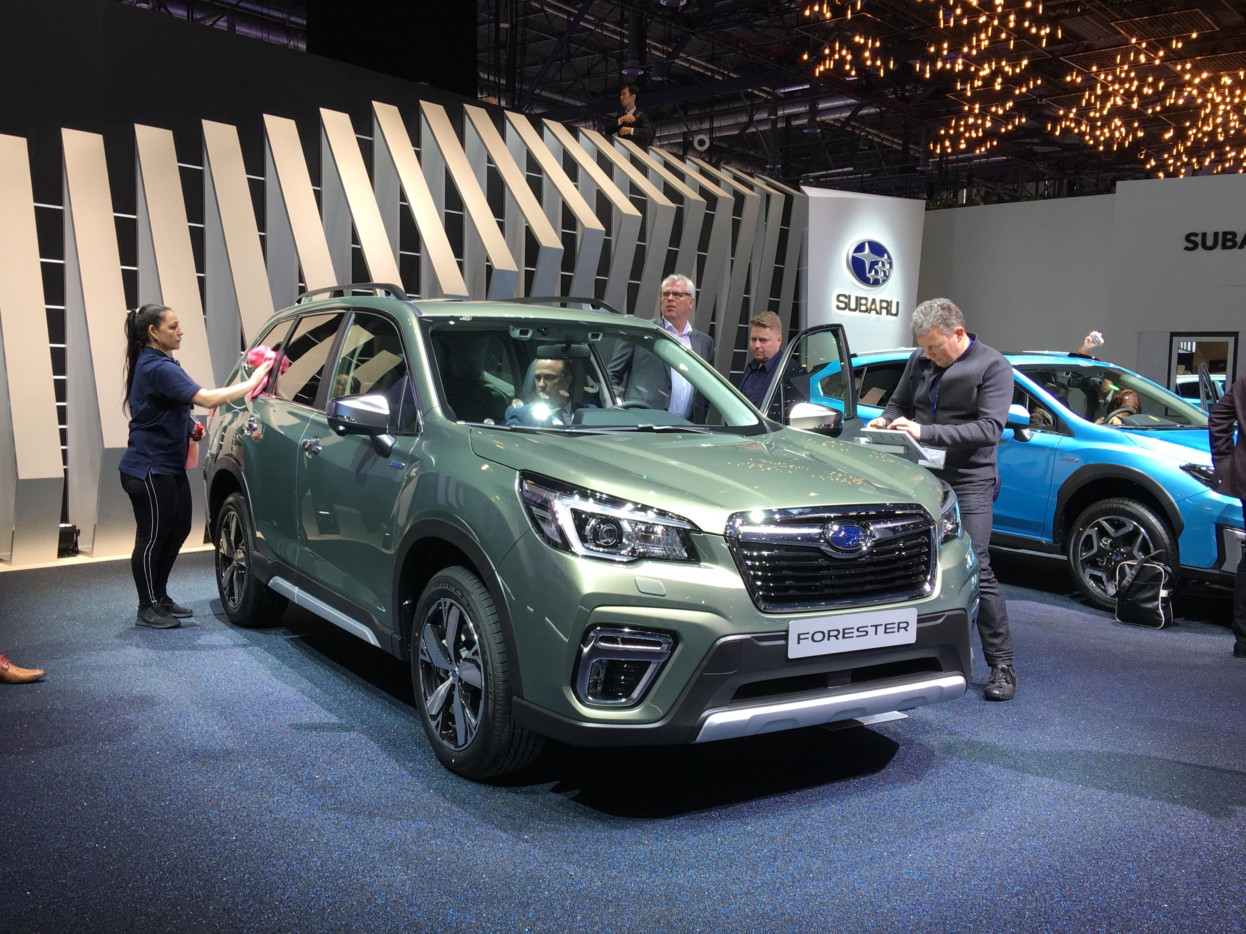 Subaru kondigt prijzen Forester e-BOXER en Subaru XV e-BOXER aan