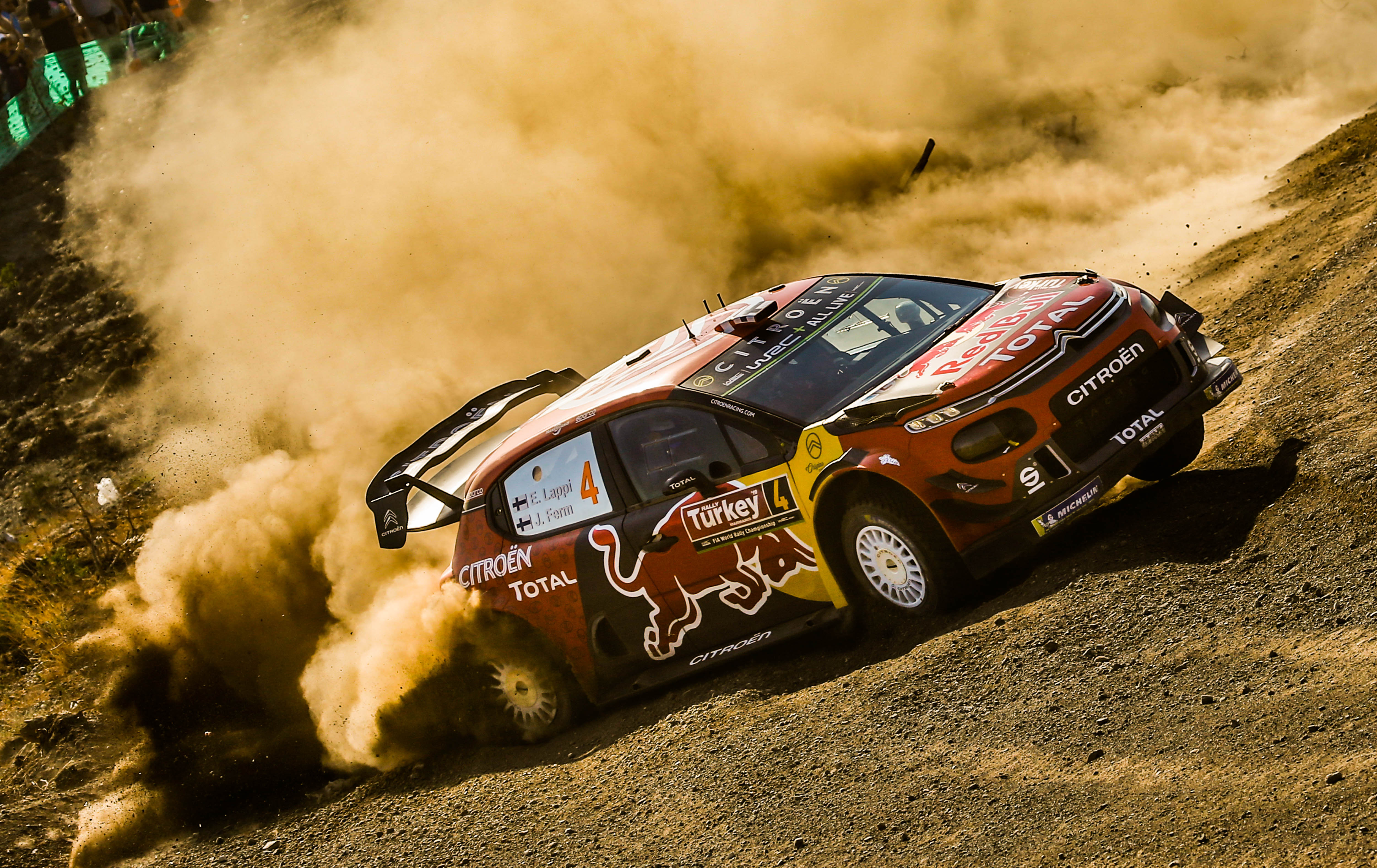 CITROËN CLAIMS A ONE-TWO FINISH AND MOVES BACK INTO THE TITLE HUNT !