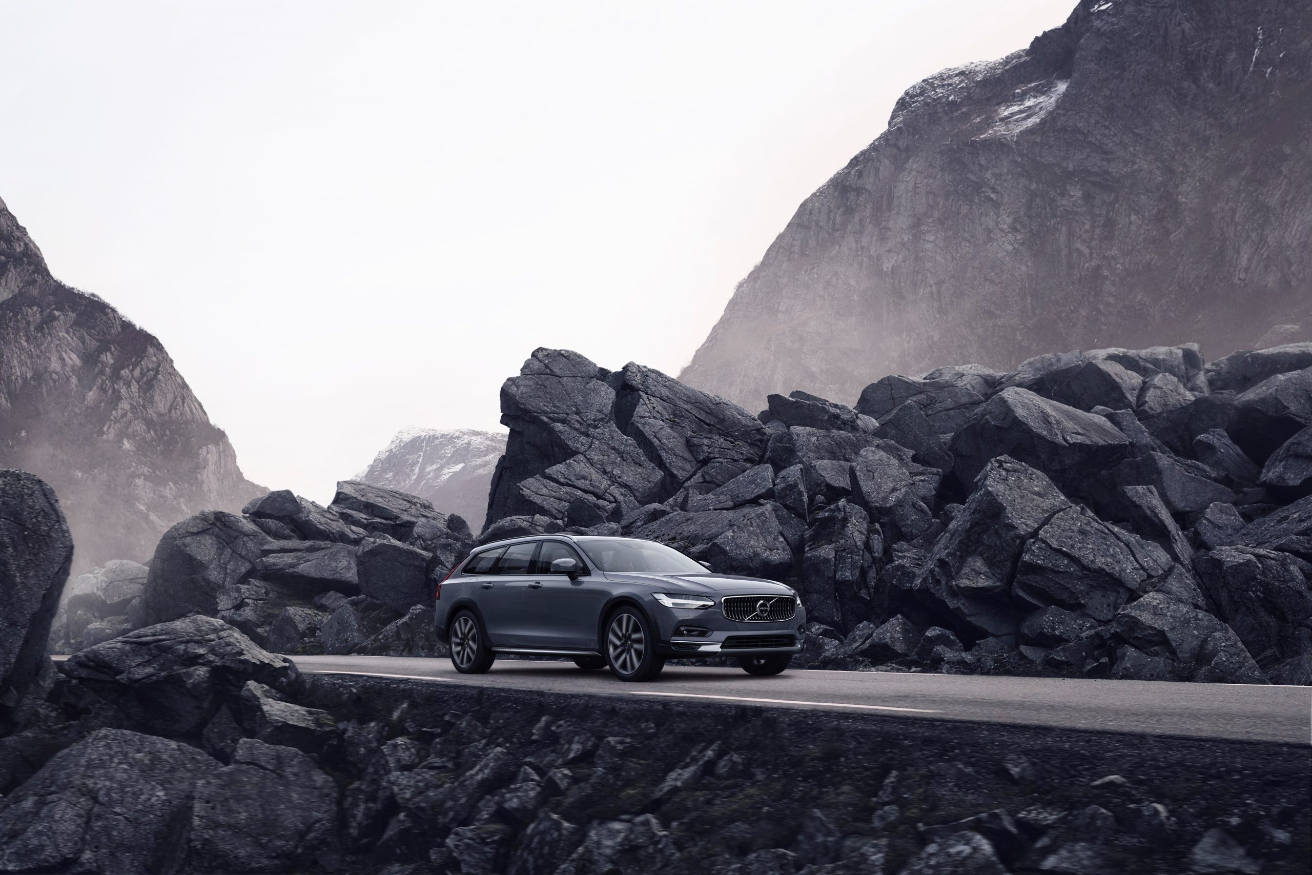 Volvo Cars lanceert vernieuwde S90- en V90-modellen en maakt mild-hybridemotoren beschikbaar voor het hele gamma